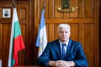 Кметът на Пловдив претърпя операция след падане вкъщи