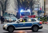 снимка 8 Кола се вряза в пешеходци в Германия, има жертви (Снимки)