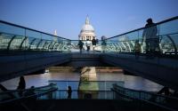 Великобритания одобри масова имунизация с ваксина срещу COVID-19