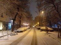 Над 150 снегорина почистват улиците в София
