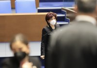 Депутатите прекъснаха работа заради липса на кворум