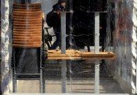снимка 3 Първи ден без заведения: Онлайн менюта, мобилни приложения и доставка до вкъщи за клиентите