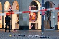 снимка 7 Кола се вряза в пешеходци в Германия, има жертви (Снимки)