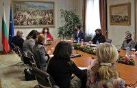 Вицепрезидентът: Кризата открои още по-силно необходимостта от единна национална политика с българите зад граница