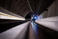 Пуснаха пътническите влакове през новия тунел в Швейцарските Алпи