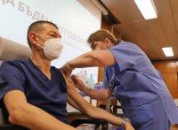 снимка 10 Проф. Мутафчийски е първият ваксиниран срещу COVID-19 медик от ВМА