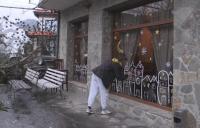 Ученичка създава коледно настроение в кюстендилското село Слокощица