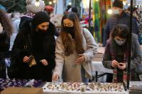 Малко над 60% от българите ще купят подаръци за близките си