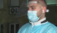 Студент по медицина влиза в ковид отделение в навечерието на Коледа и ще излезе след празниците