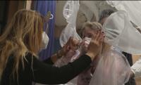 Всичко за една прегръдка: Болница в Рим създаде стая за безопасно докосване