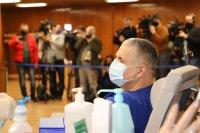 снимка 6 Проф. Мутафчийски е първият ваксиниран срещу COVID-19 медик от ВМА