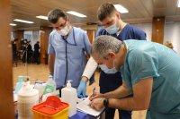 снимка 8 Проф. Мутафчийски е първият ваксиниран срещу COVID-19 медик от ВМА