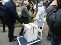 Ваксини пристигнаха и в Пловдив, първо имунизират медици от големите болници