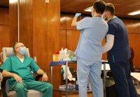 снимка 4 Проф. Мутафчийски е първият ваксиниран срещу COVID-19 медик от ВМА