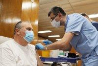 снимка 2 Проф. Мутафчийски е първият ваксиниран срещу COVID-19 медик от ВМА