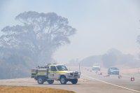Пожар застрашава хора и домовете им в австралийския град Пърт (Снимки)