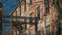 Решават дали да бутнат един от тютюневите складове в Пловдив