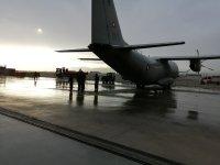 """снимка 4 Камиони докараха част от хуманитарната помощ за Хърватия на авиобаза """"Враждебна"""" (Видео, снимки)"""