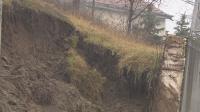 Има опасност още подпорни стени да се срутят в село Пороминово