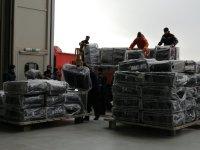 """Камиони докараха част от хуманитарната помощ за Хърватия на авиобаза """"Враждебна"""" (Видео, снимки)"""