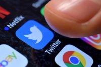 Туитър блокира за постоянно достъпа на Тръмп до социалната мрежа