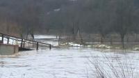 Евакуираха 20 души в Батановци заради наводнението