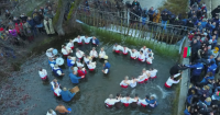 Мощна подкрепа от музиканти за кмета на Калофер и мъжкото ледено хоро