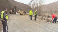 Продължава укрепването на пътя между Банско и Гоце Делчев