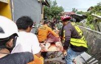 снимка 3 Десетки загинали след земетресението в Индонезия