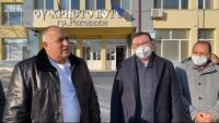 Министър Ангелов: От 4 февруари може да разрешим три класа да се върнат в училище