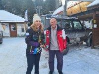 Най-възрастният практикуващ скиор у нас Иван Раев посрещна Марияна Николова на Мечи чал