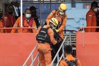 Извлякоха данни от черната кутия на катастрофиралия индонезийски Боинг