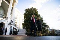Доналд Тръмп си тръгна от Белия дом (СНИМКИ)
