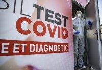 Франция ще иска задължителен отрицателен PCR тест за пътници от ЕС