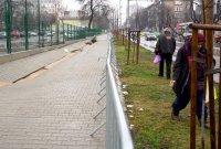 снимка 2 Ремонтират пропадналия тротоар пред Медицинска академия