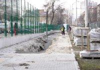 Ремонтират пропадналия тротоар пред Медицинска академия