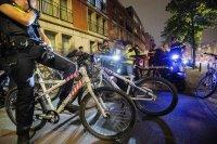 снимка 6 Сълзотворен газ, водни оръдия и над 200 арестувани в Нидерландия (Снимки)