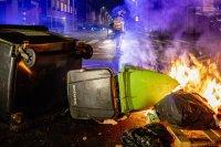 снимка 7 Сълзотворен газ, водни оръдия и над 200 арестувани в Нидерландия (Снимки)