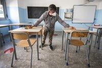 Учениците от 7-и, 8-и 12-и клас се връщат в училище