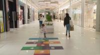 След отваряне на моловете: Не всички магазини работят