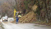 Започва превантивно затваряне на пътища заради евентуални срутища