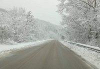 снимка 1 Троянският проход остава затворен, 1320 машини чистят пътищата у нас