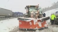 40 работнички закъсаха със служебния си автобус във Варненско