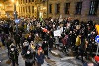 снимка 3 Поредни протести срещу забраната за аборти в Полша, има задържани