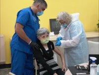 Започна ваксинацията в домове за възрастни хора в София