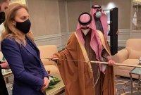 Министър Николова обсъди възможностите за туристически обмен с Кралство Саудитска Арабия