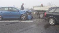 """10 автомобила във верижна катастрофа на АМ """"Струма"""" (СНИМКИ)"""