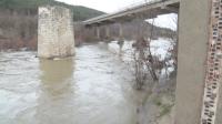 Пълни язовири, наводнения и населени места без ток в Кърджалийско