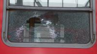 Вандали замеряха влак с камъни: ранени са две момичета