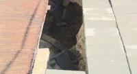 Мъж пропадна в дупка на тротоар в Русе
